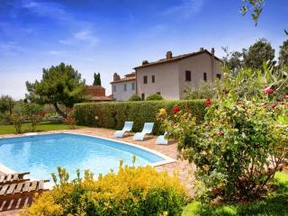Beautiful House with Internet Access and Tennis Court - Monte San Savino vacation rentals