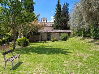 8 bedroom Villa in Siena, Siena and surroundings, Tuscany, Italy : ref 2293917 - Volte Basse vacation rentals