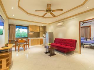 (I359) 2 bedrooms apartment (10 adults) - Patong vacation rentals
