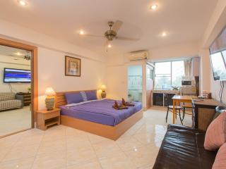 (G5000) Family Connecting Studio with City View (8 - Patong vacation rentals