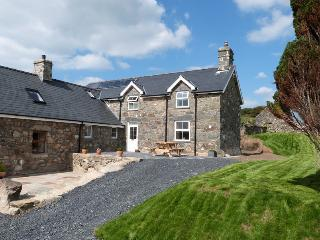 Ffermdy'r Waun: Great for Get-Togethers - 109325 - Tywyn vacation rentals