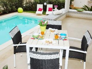Villa Bianca con piscina - Alcamo vacation rentals