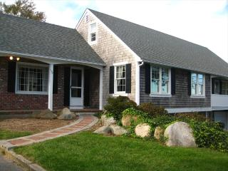 Bright 4 bedroom House in East Orleans with Internet Access - East Orleans vacation rentals