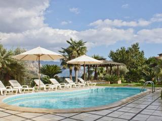 3 Bedroom villa, private pool, garden, wi-fi, view - Sorrento vacation rentals