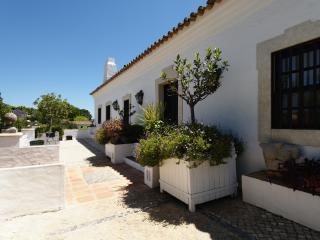 6 bedroom Villa with Internet Access in Vilamoura - Vilamoura vacation rentals