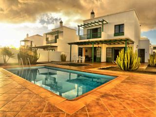 Villa Nohara 12b Pool, Wifi & Sun - Lajares vacation rentals