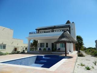 Prices waterfront home with pool is in san bruno    Precios casa frente al mar con piscina esta en san bruno - Telchac Puerto vacation rentals