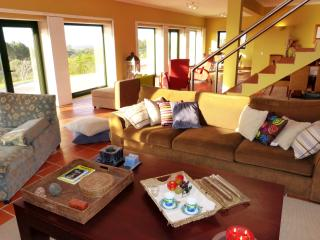 Nice Villa with Internet Access and Dishwasher - Aldeia do Meco vacation rentals