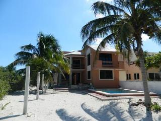 Lovely waterfront home with pool    preciosa casa frente al mar con piscina - Telchac Puerto vacation rentals
