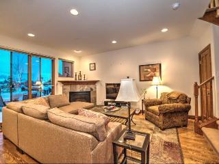 High-End Townhome Hot Tub W/D April 8-20 $225/nt! - Breckenridge vacation rentals