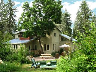 Paradise Valley Lodge  Escape to the Slocan Valley - Nelson vacation rentals