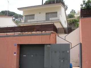 Casa a 4 minutos de la playa - Sant Pol de Mar vacation rentals