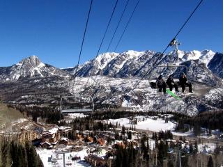 Feb. Ski Sale!!   **20% Off!!**    Luxurious Corner Unit w/Indoor Pool & Spa! - Durango vacation rentals