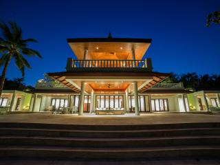 Ocean front pool Villa 5 bedroom - Thalang vacation rentals