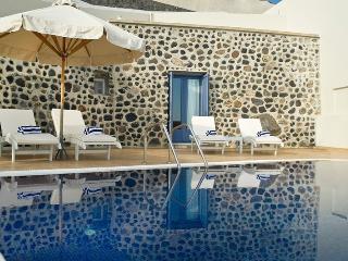 Aphrodite Villa-Luxurious private villa with pool - Santorini vacation rentals