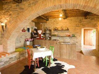 Nice 3 bedroom Umbertide Bed and Breakfast with Internet Access - Umbertide vacation rentals