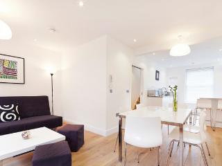 Paua Apartment (CG05) - London vacation rentals