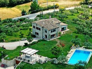 Charming 5 bedroom Pantalla Villa with Internet Access - Pantalla vacation rentals