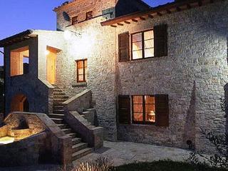 Beautiful 5 bedroom Villa in Pantalla - Pantalla vacation rentals