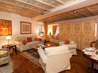 Casa Giulia in the heart of Renaissance Rome - Rome vacation rentals