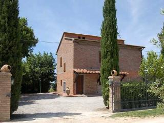 Casamerina: detached villa with private/fenced pool. 5 bedrooms. - Pozzuolo vacation rentals