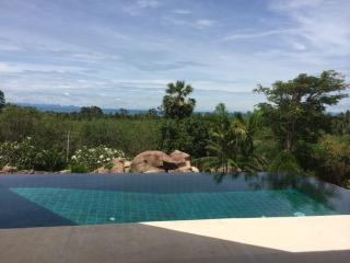 Baan Pun Dow : on the hill side in Bang Makham - Ban Bang Ben vacation rentals