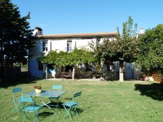 Gîte du Mas Turquat - Beaucaire vacation rentals