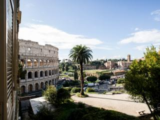 Romance al Colosseo - Rome vacation rentals