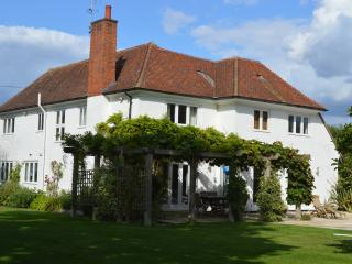 Luxury 4 Bedroom 4 Bathroom House in W. Sussex - Chichester vacation rentals