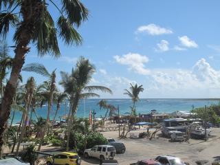 Résidence de la Plage #38...best studio rental deal on Orient Beach. - Grand Case vacation rentals