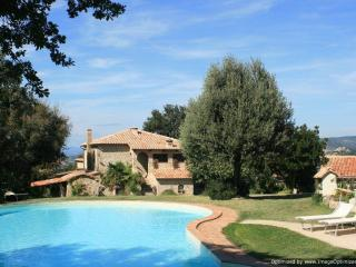 Bellevue - Montan Seggiano villa rental, holiday villa to let in Tuscany, self catered rental Tuscany, villa with pool Tuscany - Seggiano vacation rentals
