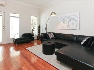 Trendy Surry Hills - live like a local. 3 bedroom. - Sydney vacation rentals