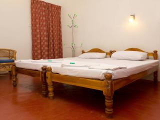 10 bedroom B&B with Internet Access in Kumarakom - Kumarakom vacation rentals