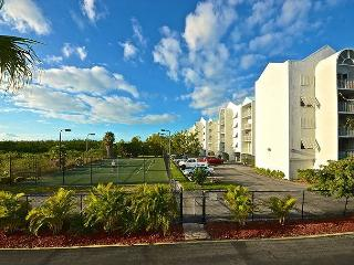 Saint Barts Suite #303 - 2/2 Condo w/ Pool & Hot Tub - Near Smathers Beach - Key West vacation rentals