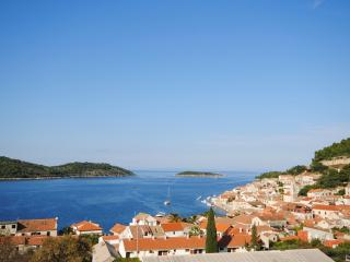 Penthouse with private & heated pool in Vis - Vis vacation rentals