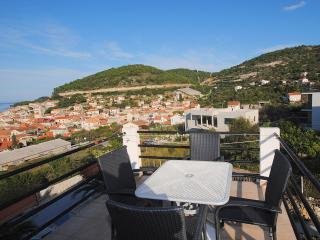 Penthouse with heated pool in Vis - Vis vacation rentals