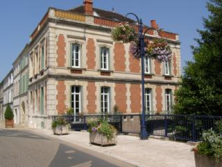 2 bed holiday apartment in sunny Charente Maritime - Pons vacation rentals