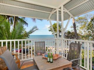Comfortable 3 bedroom Apartment in Trinity Beach - Trinity Beach vacation rentals