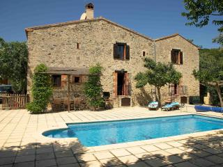 200 year old farmhouse, Large private pool, wifi. - Prades vacation rentals