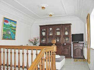 STORCHENFÄRBE Ferienhaus Fürsten-Suite ***** - Memmingen vacation rentals