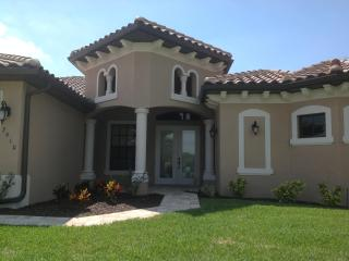 Villa Endless Summer - great new home on wide canal - Cape Coral vacation rentals
