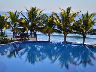 Playa Escondida Beach Club 3 Bedroom Loft - Honduras vacation rentals