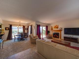 Large 3 Bedroom Condo on a Rim - Great View to the Valley Below - Southwestern Utah vacation rentals