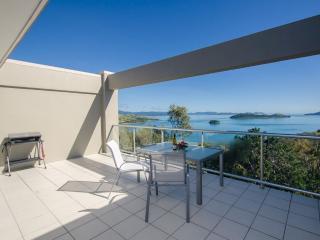 Perfect 3 bedroom Hamilton Island Condo with A/C - Hamilton Island vacation rentals
