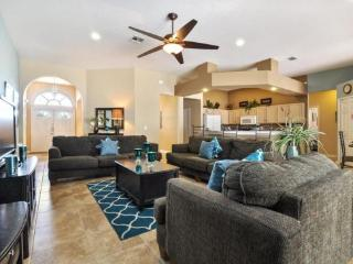 5 Bedroom 3 Bathroom Pool Home With Games Room. 222NW - Disney vacation rentals