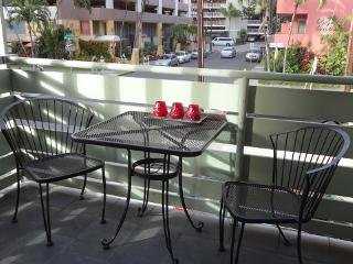 Alii of Waikiki - less than a block to the beach! - Honolulu vacation rentals