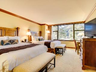 Studio w/ ski-in/ski-out access, shared heated pool and hot tub & great views! - Alpine Meadows vacation rentals