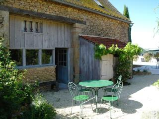 Charming Cottage with pool and vue on Dordogne Valley - Bondues vacation rentals