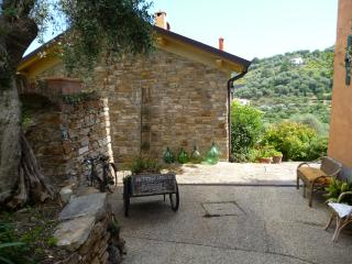 Lovely Cottage with Internet Access and A/C - Diano Marina vacation rentals