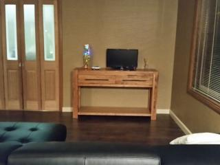 2 bedroom Guest house with Internet Access in Albury - Albury vacation rentals